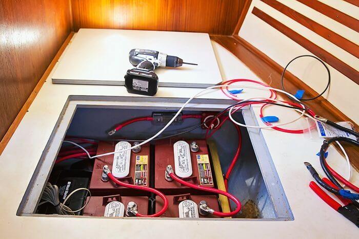Akkumulátor hajóba