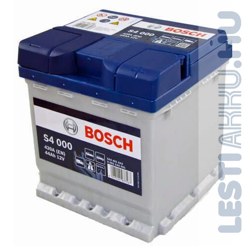 BOSCH Silver S4 Autó Akkumulátor 12V 44Ah 420A Punto Jobb+ (0092S40000)